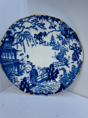 Royal Crown Derby. England.  Collector Plate. Blue Willow.  Blue and White.