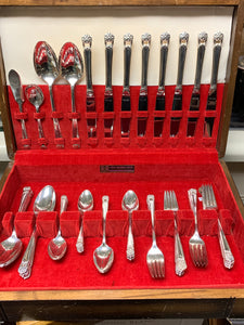 1847 Rogers Brothers.Flatware service for 8- Eternally Yours-  1941