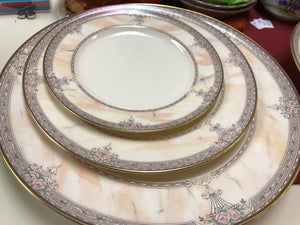 Mikasa, Japan, Fine Ivory, Venetian Marble, Dinner Service for 12. (72pcs)