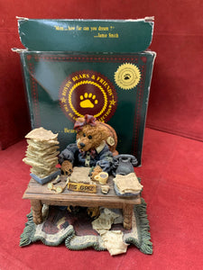Boyds Bears and Friends. The Bearstone Collection. 22E/2359 Mz. Griz...Monday Morning