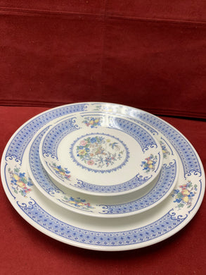 Royal Albert, New Romance- Songbird,  Dinner Service for 6. (42 pcs)