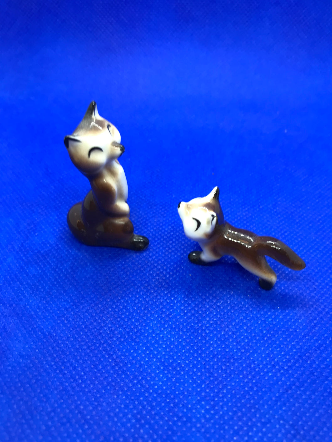 Japan. Miniature Figurines.  Foxes.  Hand Painted