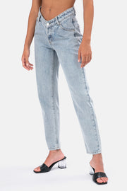 Crush V-Front Jeans | MOM