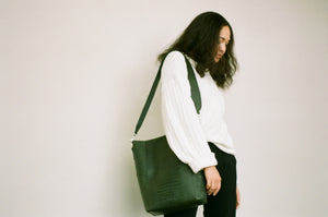 The Meletti shoulder bag in Croco Green