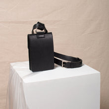Load image into Gallery viewer, The Pitti Belt Bag in Black