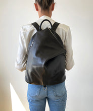Load image into Gallery viewer, The Mercato Backpack in Dark Brown