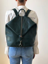 Load image into Gallery viewer, The Mercato Backpack in Green