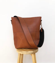 Load image into Gallery viewer, Leather strap for Meletti bag in Tan