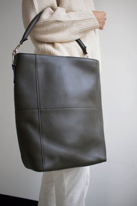 The Meletti shoulder bag in