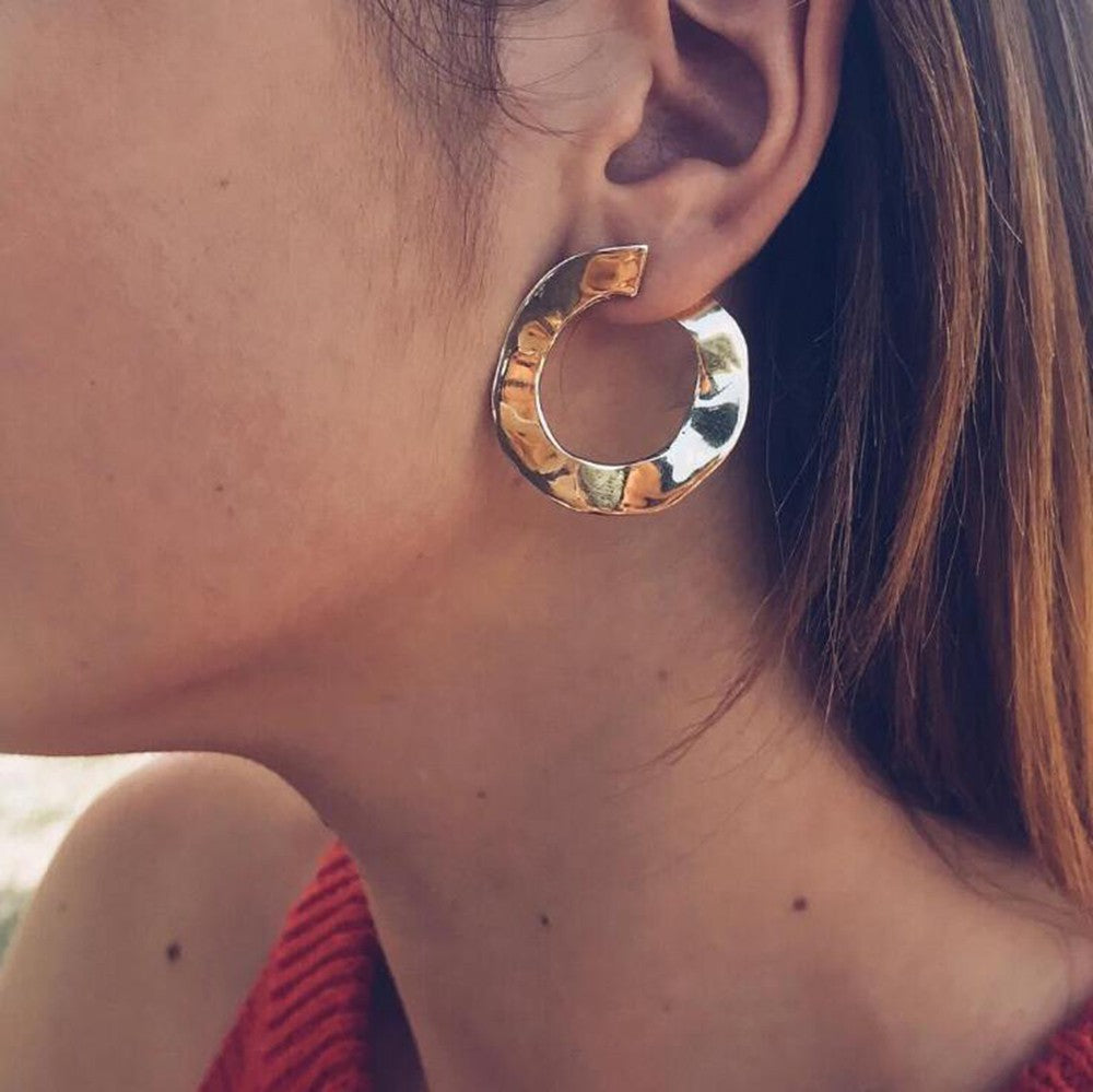 Wavy Goldie Hoop Earrings - Hey Maisie