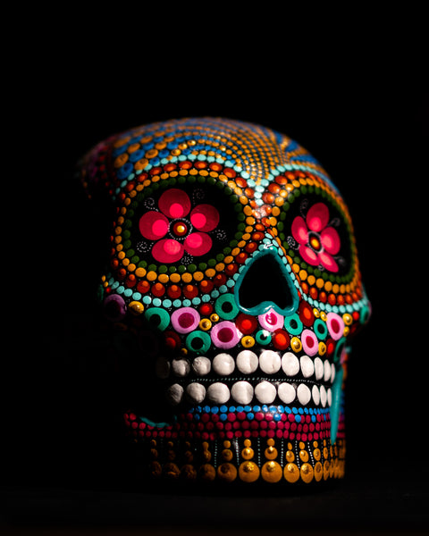 How To Rock Your Look On Dia De Los Muertos?