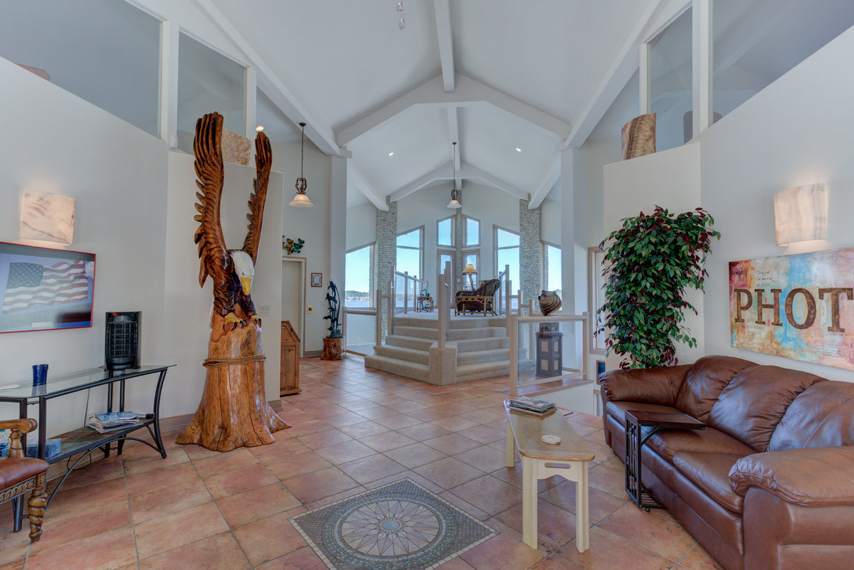 1145 Beacon Pointe Cir