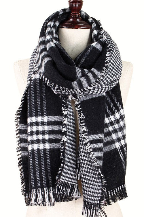 Double-Sided Black Plaid Scarf