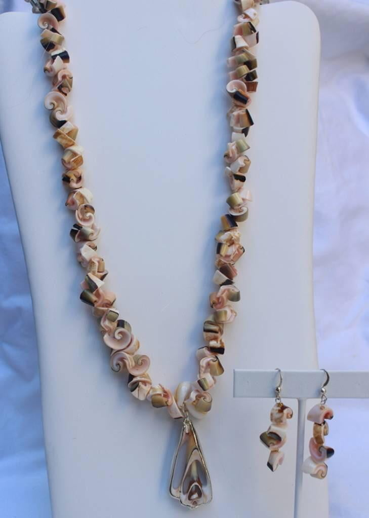 Sliced Shells Unique Necklace