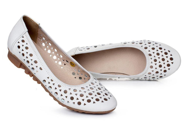 VL RETRO PERFORATED FLATS - VansLovers.com