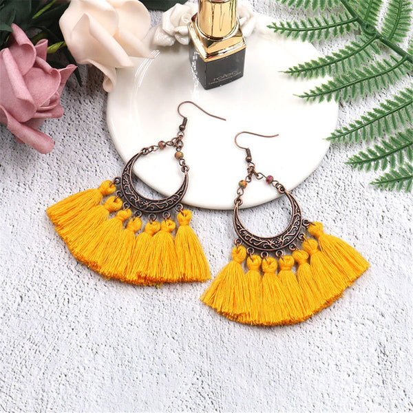 Gosfashion Vintage Bronzed Hollowed-Out Crescent Moon Tassel Earrings