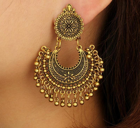 Gosfashion Bohemian Metal Vintage Wind Carved Long Bell Tassel Earrings