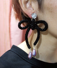 Load image into Gallery viewer, NON TOKYO / GRITTER RIBBON EARRRING (BLACK)