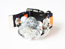Load image into Gallery viewer, NON TOKYO / FLOWER GIMMICK BRACELET (SILVER×ORANGE)