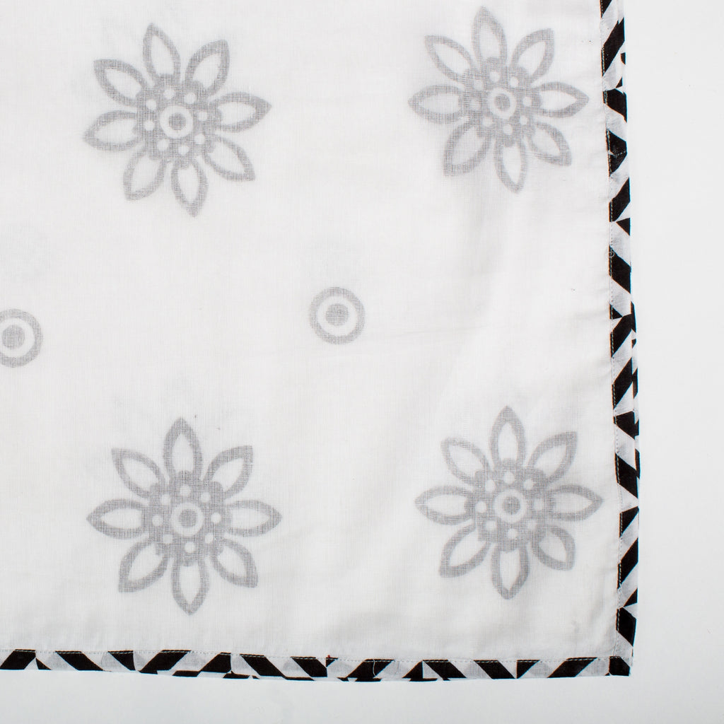 Triple Layer Muslin Shawl in Geometric Daisy