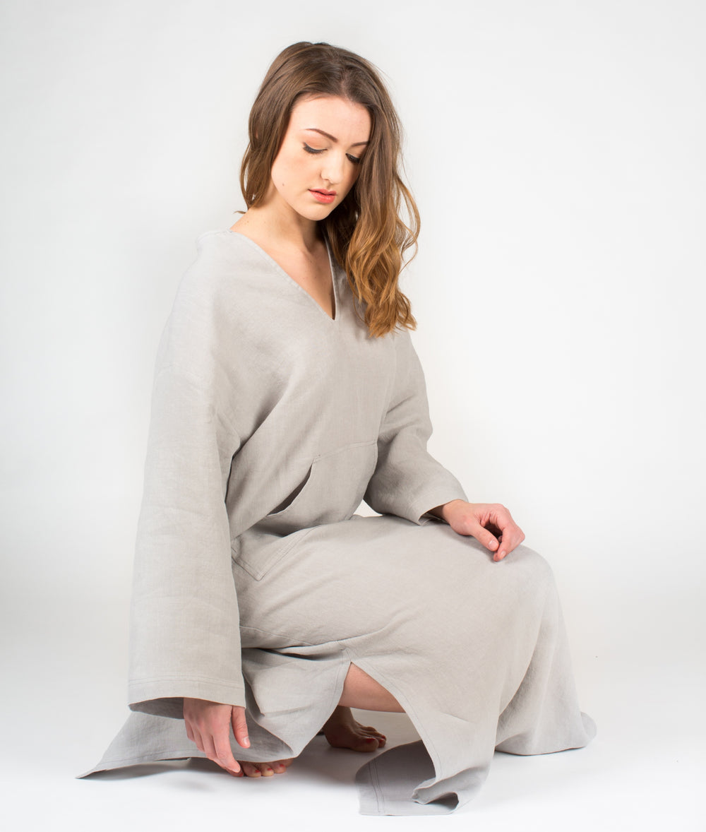 YUME Jeff Linen Kaftan in Cloud Grey