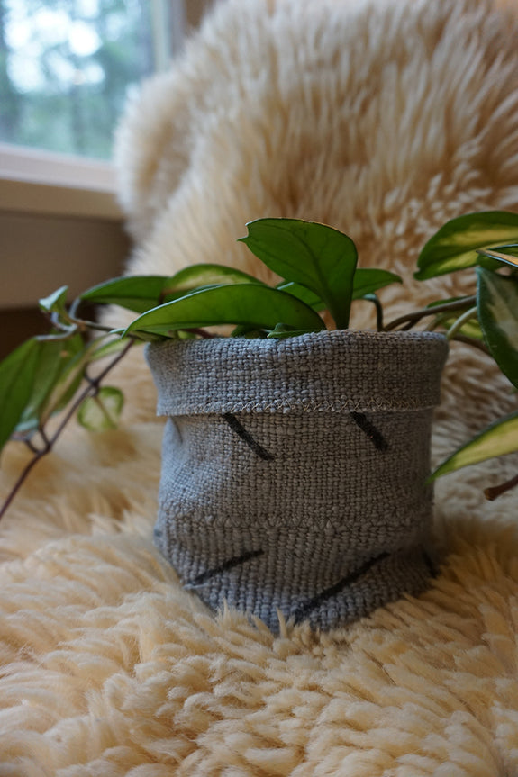 Grey Mudcloth Plant Holder