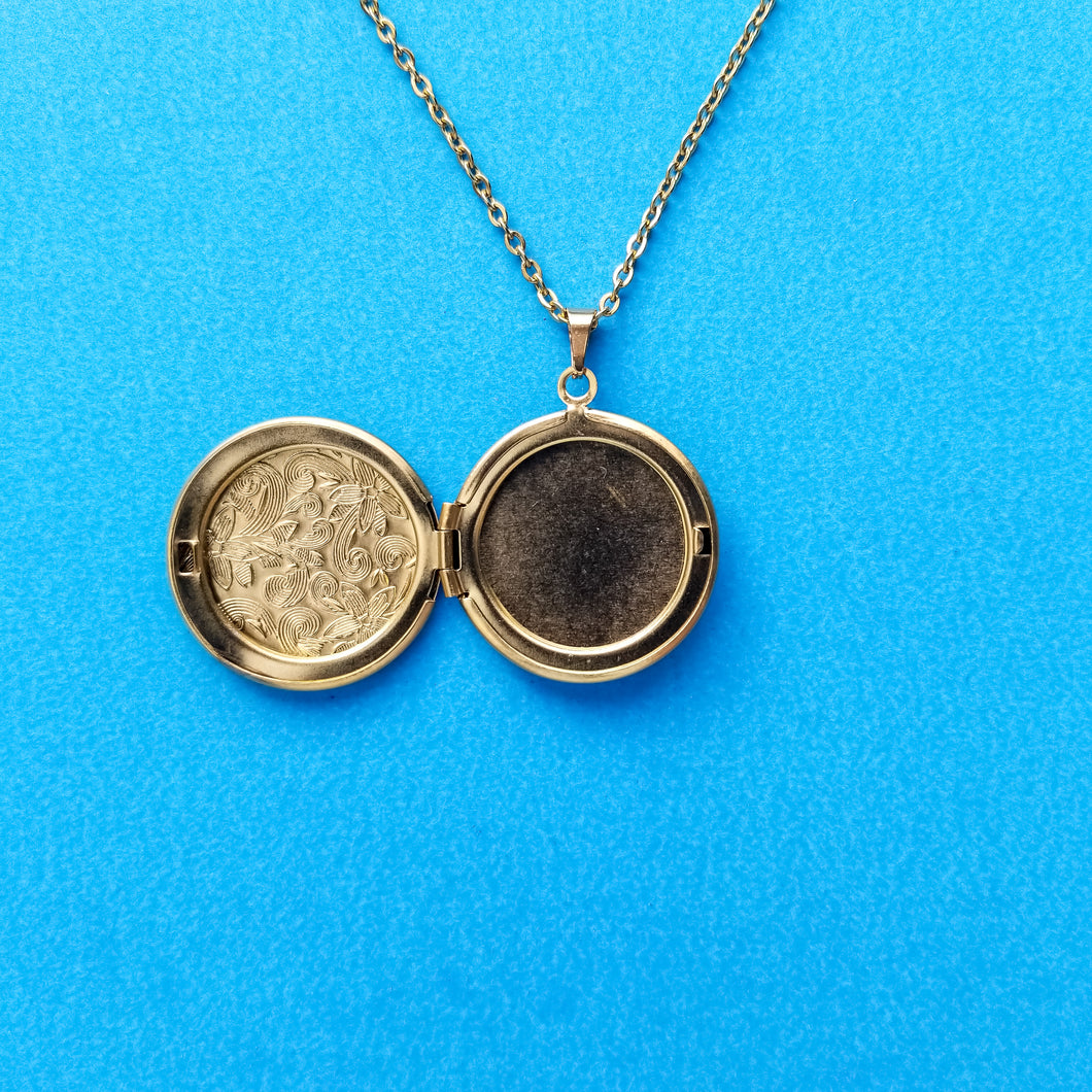 Gold Engraved Locket Necklace
