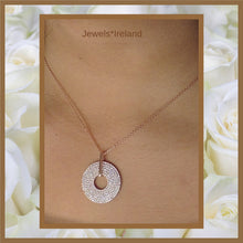 Beautiful rose gold disc pendant and chain