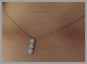 Brilliant cut 3 stone necklace