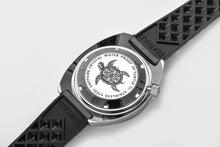 Load image into Gallery viewer, Rdunae Vintage Turtle 6105-8000 - WR Watches PLT