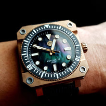 Load image into Gallery viewer, San Martin Beryllium Bronze Diver