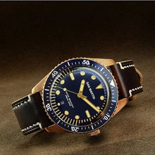 Load image into Gallery viewer, San Martin Bronze 65 Diver
