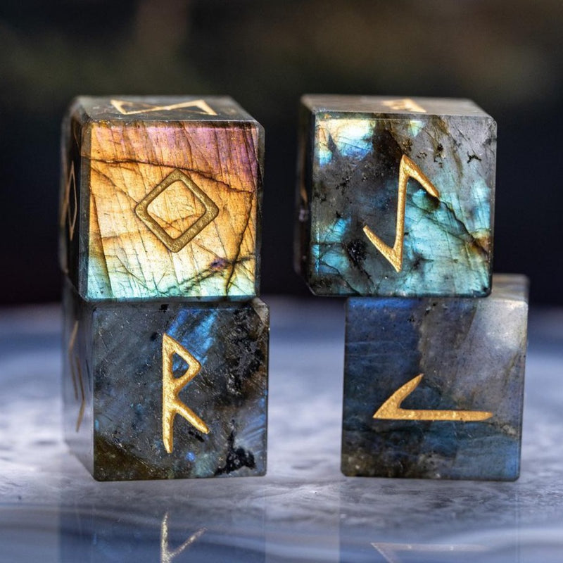URWizards Engraved labradorite Rune dice D6 Viking - Urwizards