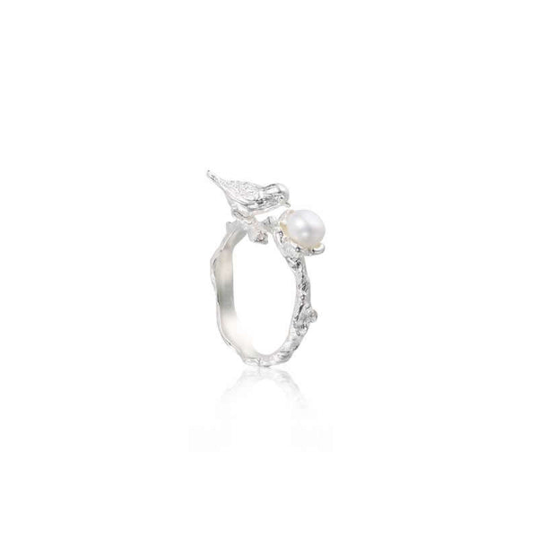 "喜上眉梢 ""銀白珍珠"" 戒指 - A Magpie's Eye ""Silver Pearl"" Ring"