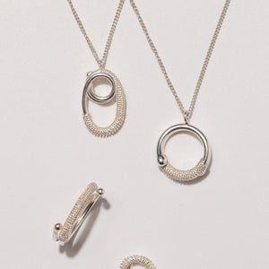 "循環 ""銀"" 項鍊 - Loop ""Silver"" Necklace"