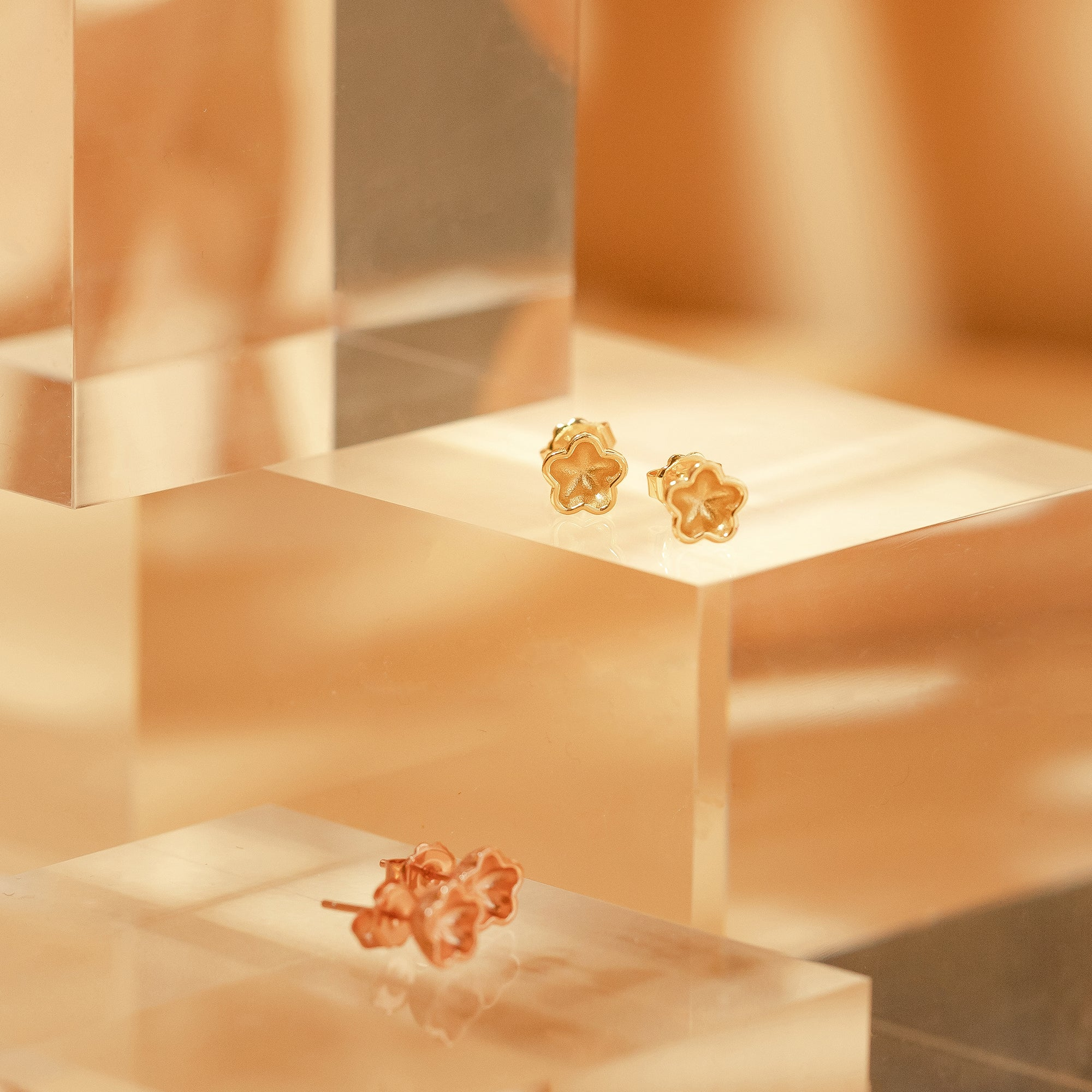 "梅花 ""金"" 耳環 - Winter Sonnet ""Gold"" Earrings"
