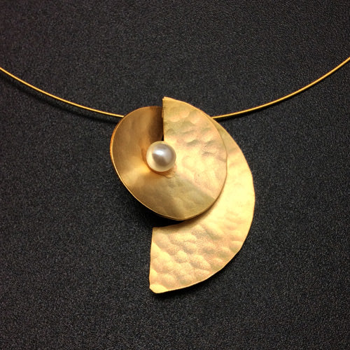 Small Gold Pearl Matte Necklace*
