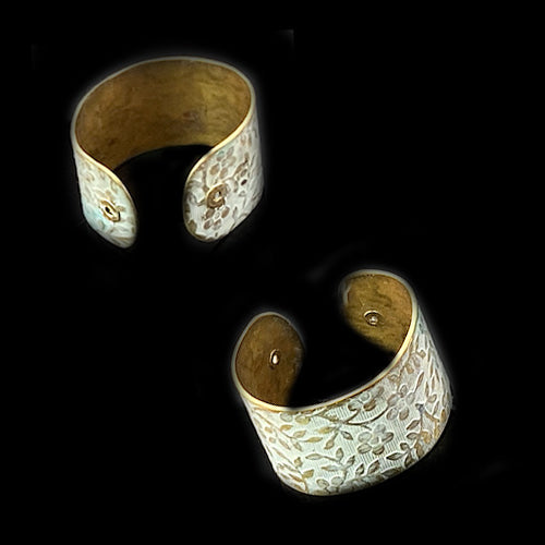 White Flowers Brass Ring