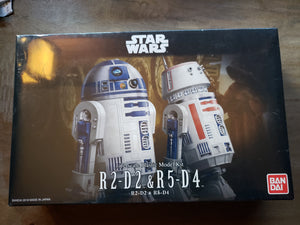Bandai R2-D2 & R5-D4 1/12 Scale Plastic Model Kit