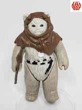 Load image into Gallery viewer, VINTAGE 1983 LLI LEDY ROTJ Chief Chirpa loose complete C8