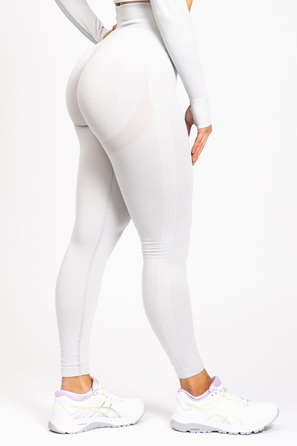 Nicki Scrunch Bum Leggings Light Grey