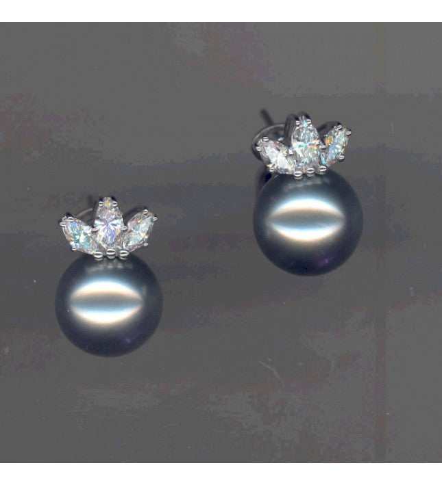 Piero Milano 18K White Gold Diamonds Pearl Earrings - Made in Paradise Luxury