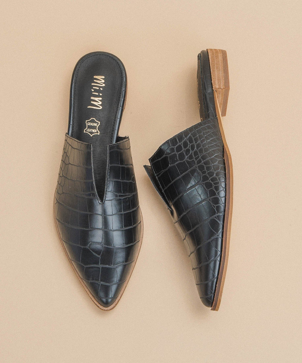 Jaden Crocodile V-Cut Black Mule l Miracle Miles | Miracle Miles | | Arrow Women's Boutique