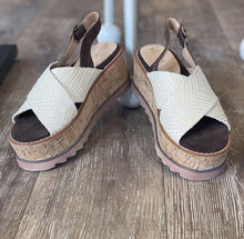 Load image into Gallery viewer, Liam Sandal | Miracle Miles | Miracle Miles | | Arrow Women's Boutique