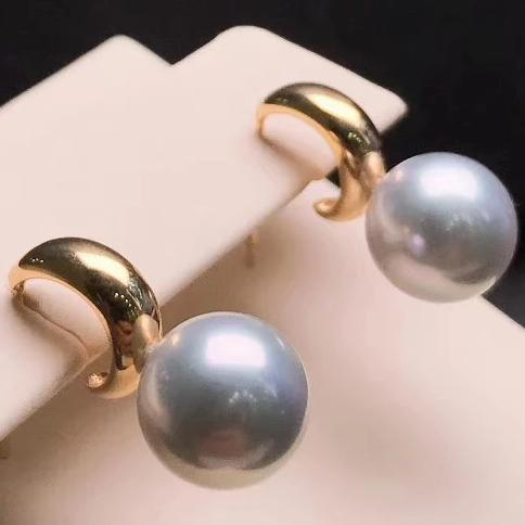 8.5-9.0 mm Gray Akoya Pearl Hook Earrings Mounted on Solid 18K Thick Gold for Woman