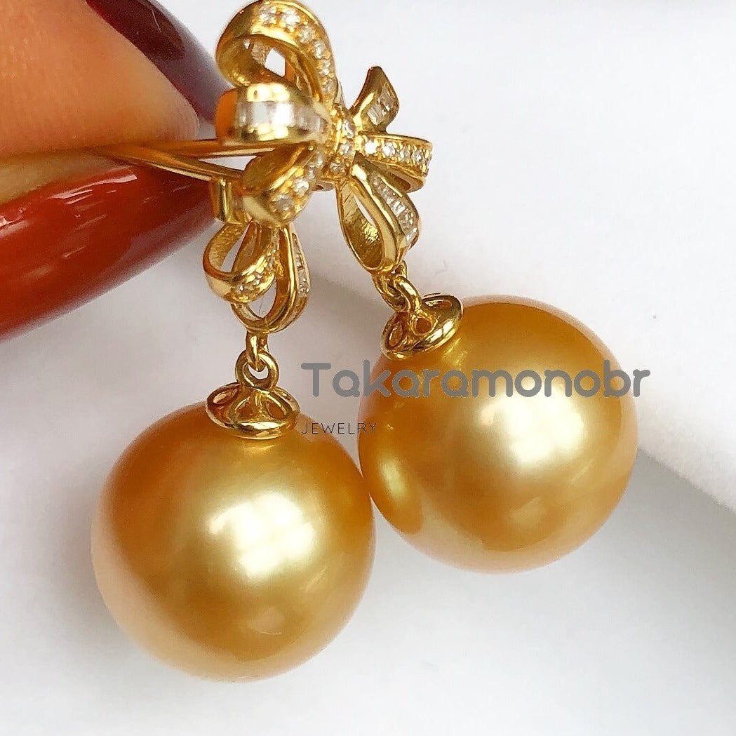 Bowknot Collection 13.0-14.0 mm Golden South Sea Pearl & Diamond Earrings for Women - takaramonobr
