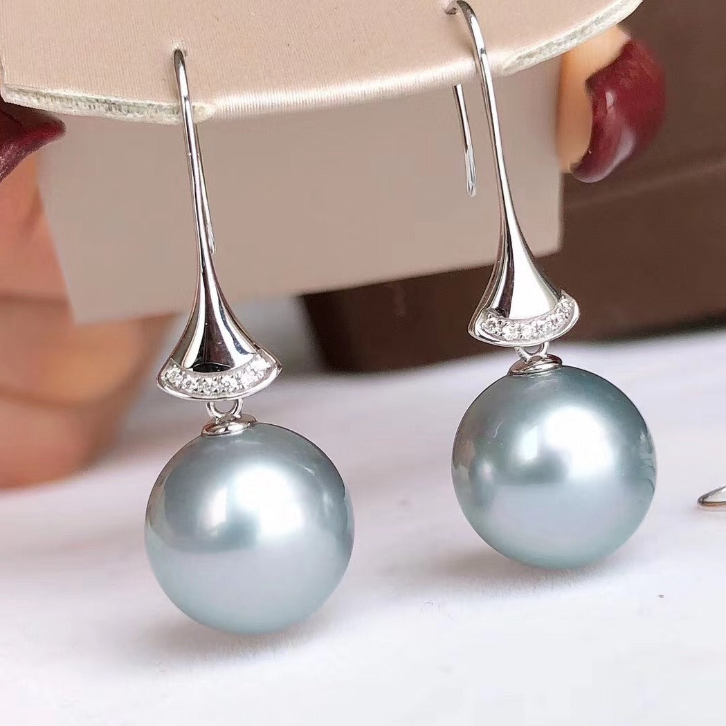 11.0-12.0 mm Tahitian Silver-Blue Pearl & Diamond Dangle Earrings in G18k - takaramonobr