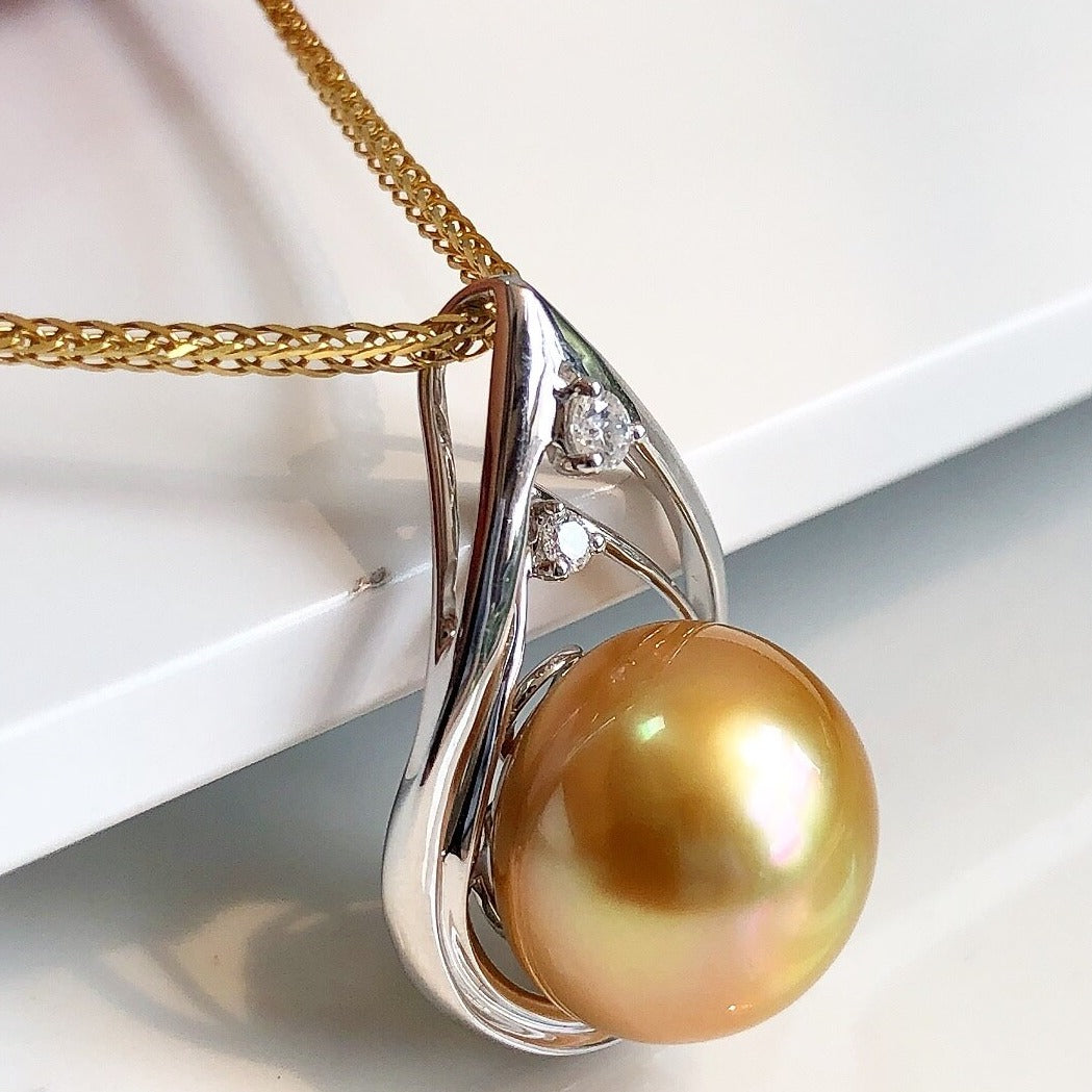 Embrace Collection 12.0-13.0 mm Golden South Sea Pearl & Diamond Pendant - takaramonobr