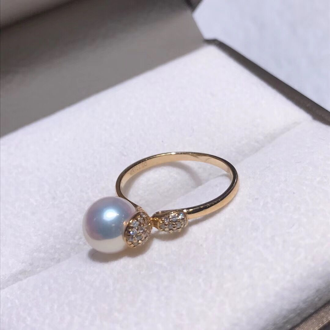 Sprout Collection 7.5-8.0 mm White Aurora Hanadama Akoya Pearl and Diamond Ring in 18K Yellow Gold - takaramonobr