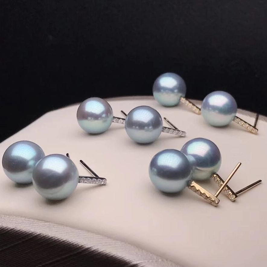 Simple Collection 9.0-9.5 mm Silver-Blue Grey Akoya Pearl & Diamond Stud Earrings Mounted on 18K Gold for Women - takaramonobr